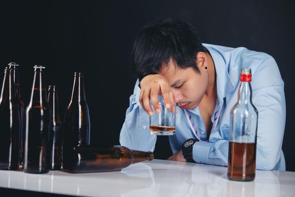 Stadiile paranoiei de alcoolism
