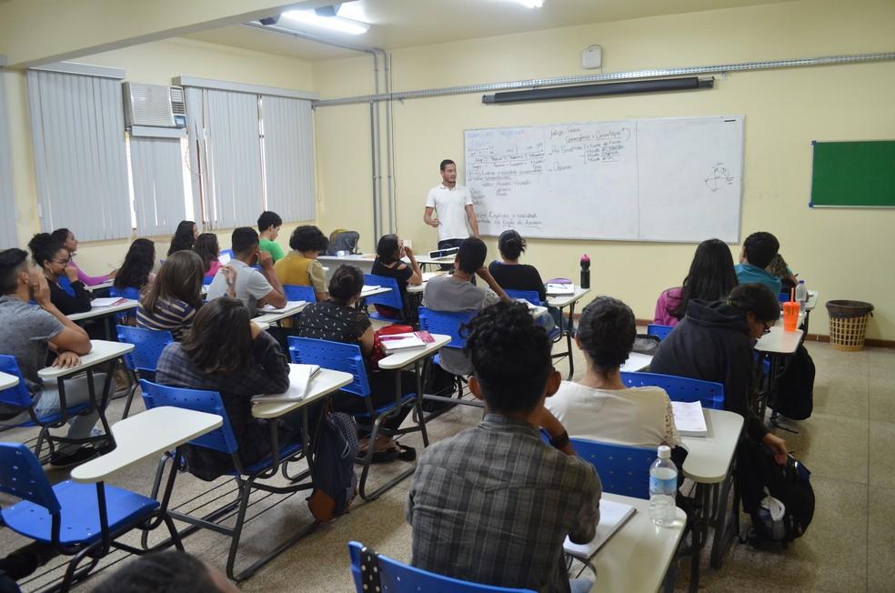 Preparatório gratuito para o Enem em universidade do AP atende a 150 alunos. Inscrições começam nesta segunda (7). (Foto: Rita Torrinha/G1)