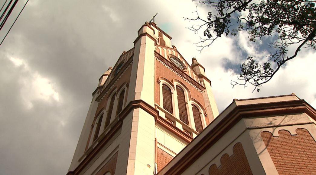 Arquidiocese revoga permissão de acesso de fiéis às igrejas na região de Ribeirão Preto, SP