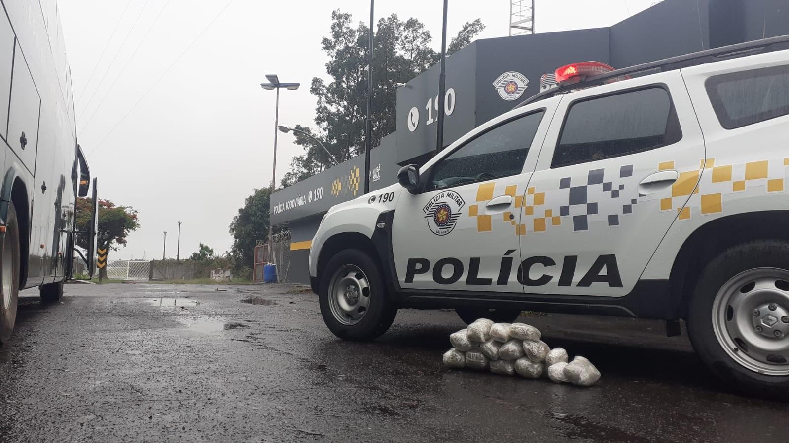 Mulher é presa com carregamento de skank em rodovia de Garça