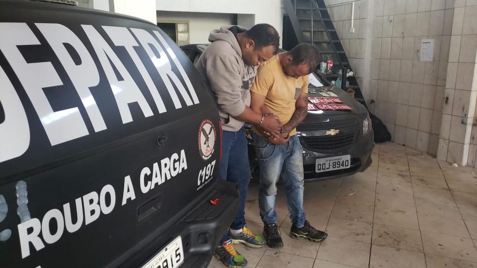 Lucas Suedi  e Ernando dos Santos são suspeitos de roubo de carga — Foto: Foto: Fabiana Almeida
