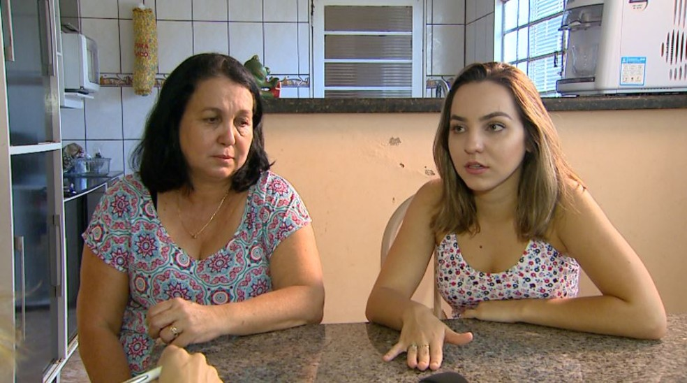 Mãe pede que faculdade em Juiz de Fora, MG, tome providências para que filha possa estudar — Foto: Reprodução/EPTV
