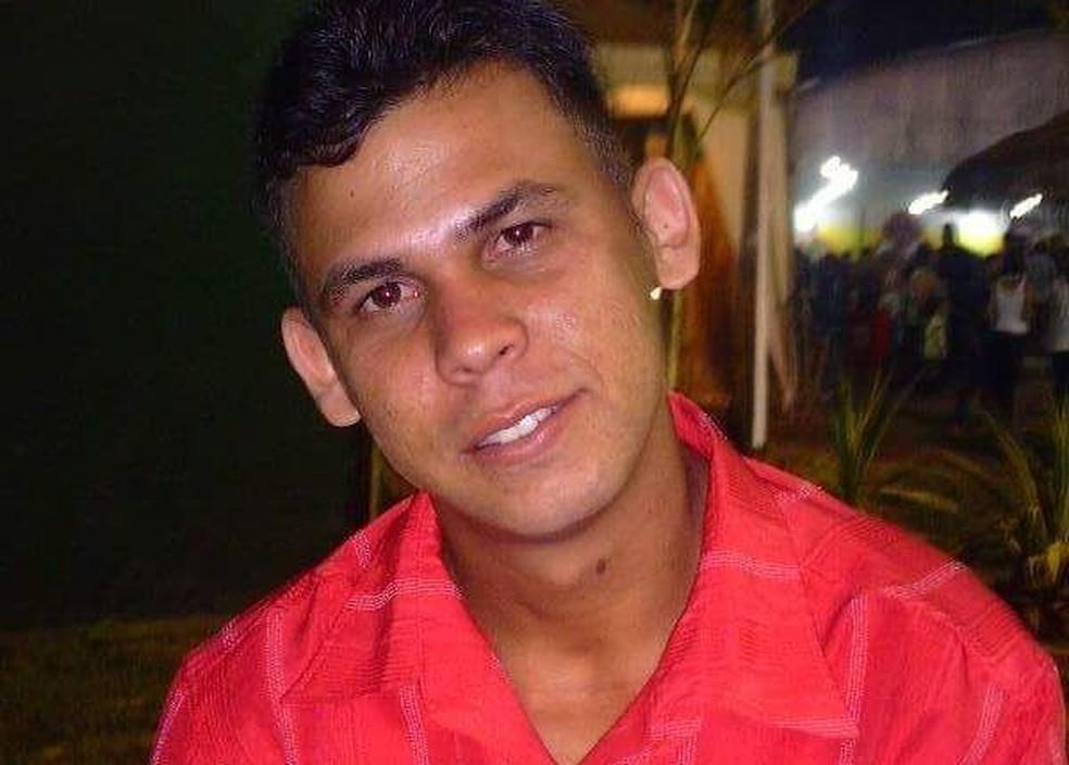 João Paulo Guimarães foi baleado quando chegava em casa com a família em Porto Acre (Foto: Reprodução/Facebook )