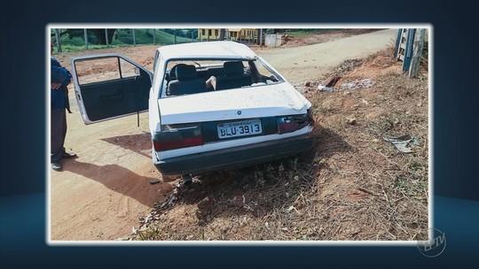 Mulher de 33 anos morre após carro capotar e motorista sem habilitação é preso em flagrante em Botelhos
