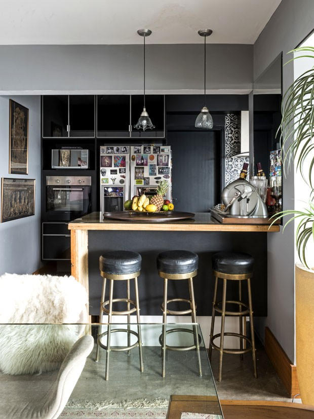 Jovem e descontraído: um apartamento zen rock 'n' roll (Foto: Renato Navarro)