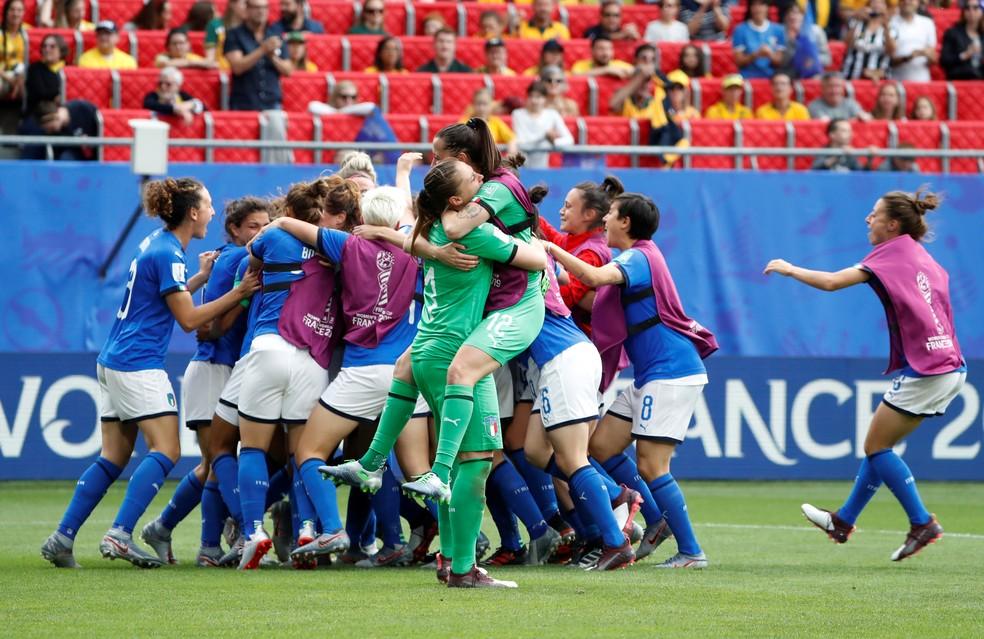 Itália comemora vitória surpreendente sobre a Austrália pela Copa do Mundo Feminina — Foto: Reuters