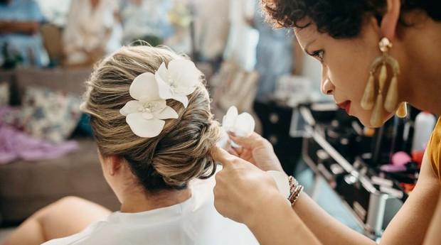 Além de maquiagens, Tatiane também faz penteados (Foto: Reprodução/Instagram)