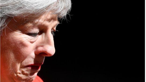 Theresa May anunciou que vai deixar o cargo de premiê no próximo dia 7 de junho (Foto: Reuters via BBC)