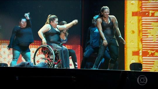 Com balé inclusivo, Anitta realiza sonho de atleta paralímpica