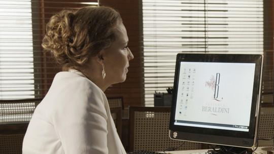 Emília faz ligação misteriosa após revelação de Bernardo