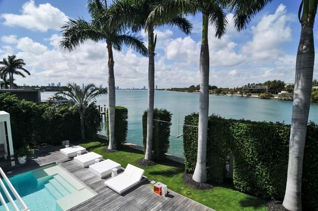 Mansão de Shakira em Miami é colocada à venda (Foto: Reprodução / Tour VHT e Compass)