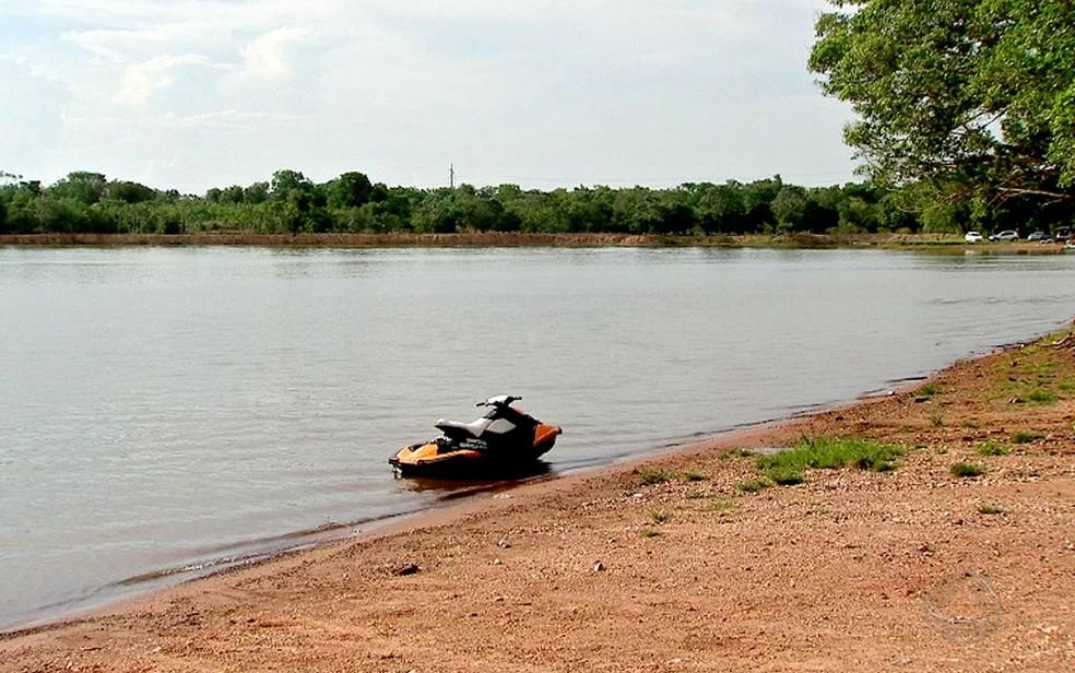 Rodrigo passou mal durante aula prática na Lagoa Trevisan, em Cuiabá (Foto: Reprodução/TVCA)