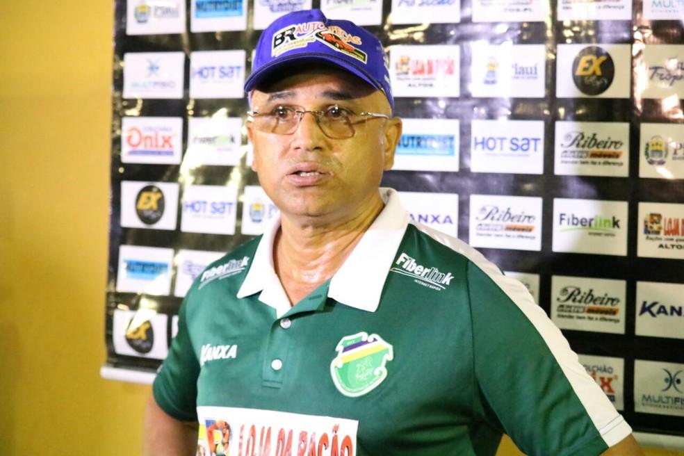 Oliveira Canindé, técnico do Altos (Foto: Wenner Tito)