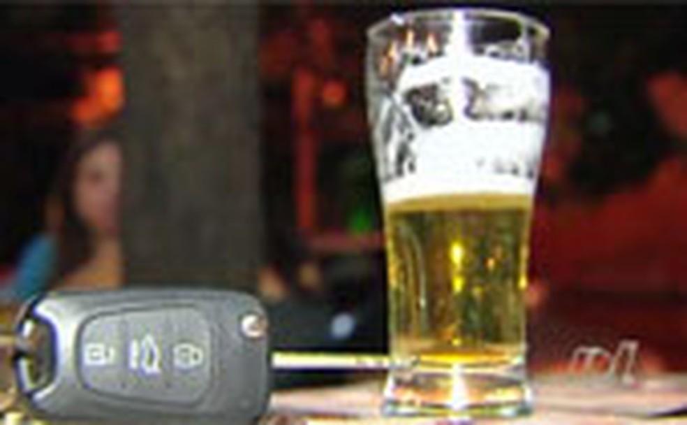 Em Rio Branco, 12% dos homens assumem beber e dirigir  — Foto: Reprodução/TV Globo