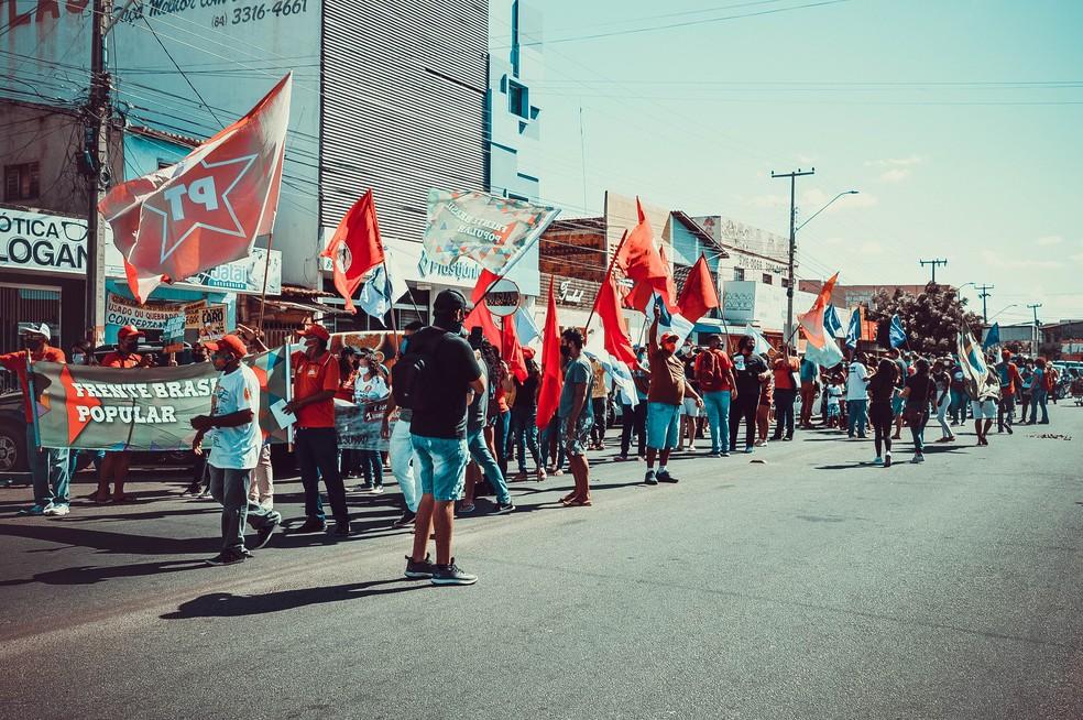 Mossoró, RN: Manifestação contra o presidente Jair Bolsonaro  — Foto: Isaiana Santos/Inter TV Cabugi