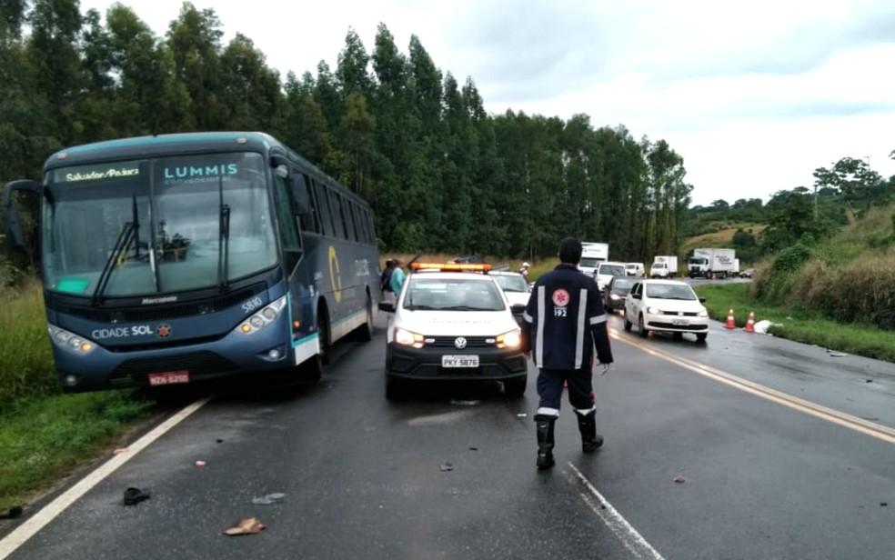Samu, agentes da Bahia Norte e Graer participaram do socorro às vítimas do acidente na BA-093, na Bahia — Foto: Divulgação/Graer