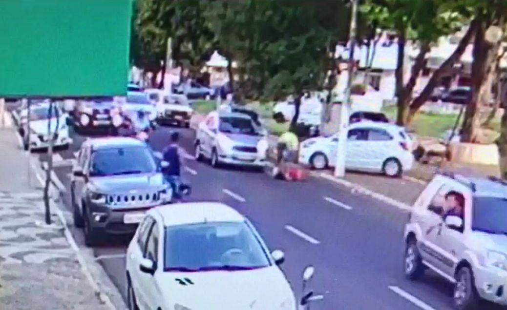 Mulher pisoteada na rua pelo companheiro sofreu mais de 10 chutes na cabeça, diz polícia - Notícias - Plantão Diário