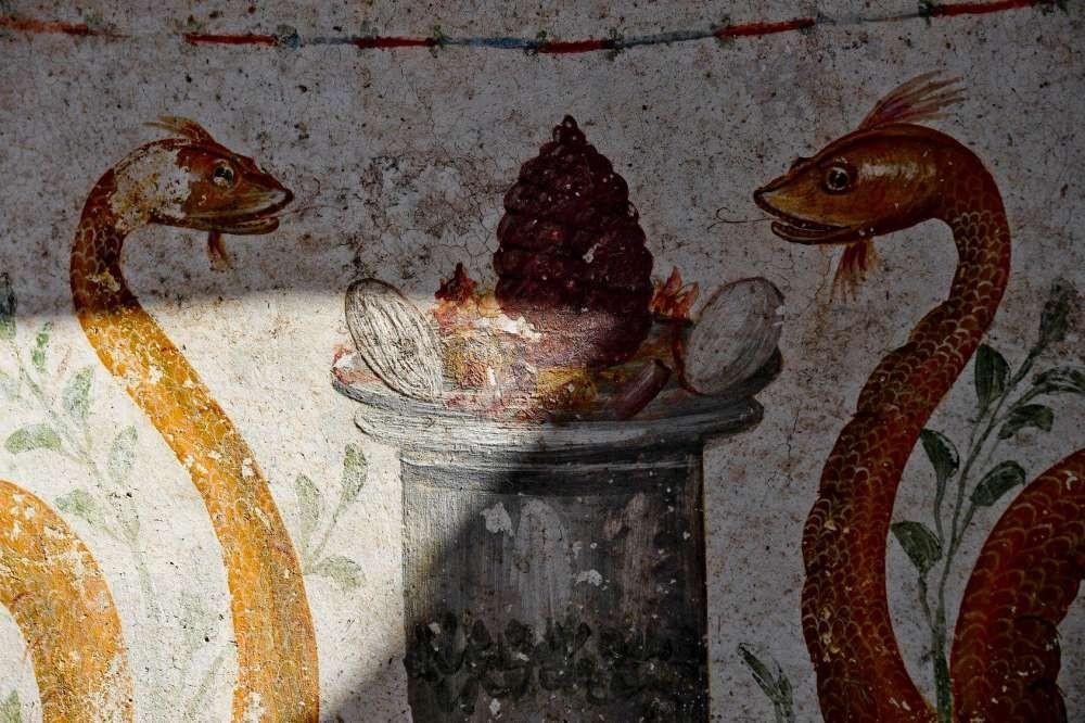 Ovos e pinha podem ter sido oferenda para espíritos (Foto:  Ciro Fusco/Pompeii - Parco Archeologico)