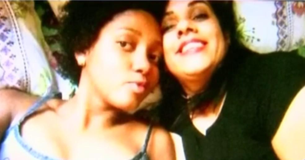 Anna Victoria com a mãe, Rosicleia da Silva (Foto: Reprodução/TV TEM)