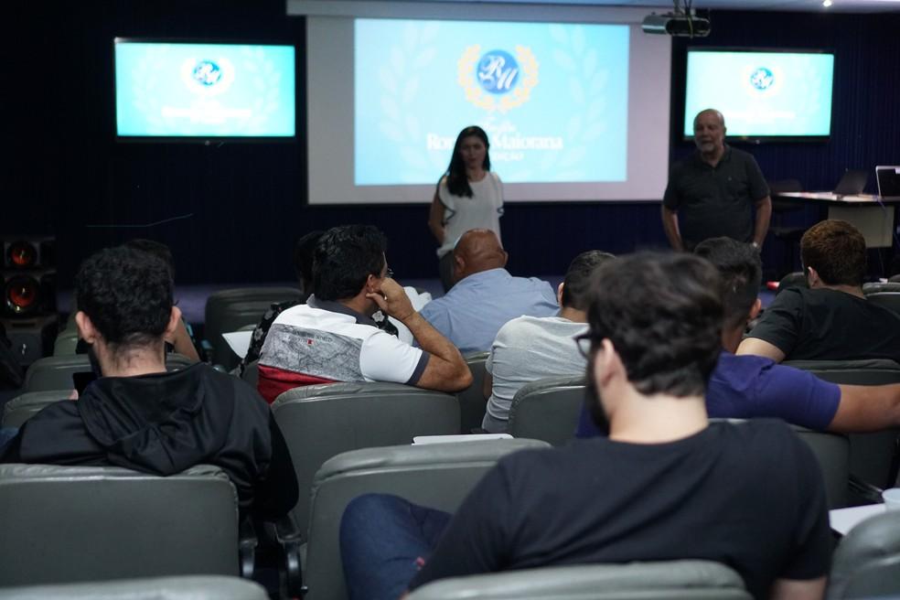 Super Júri do Troféu Romulo Maiorana esteve reunido no auditório da TV Liberal nesta quinta-feira — Foto: GloboEsporte.com