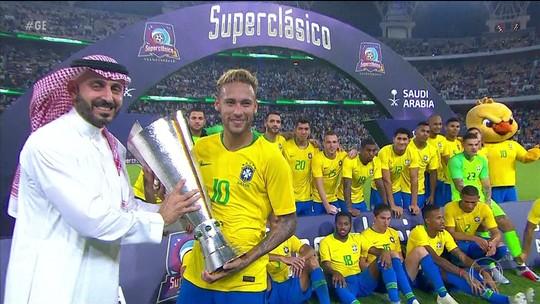 Brasil vence a Argentina por 1 a 0 e levanta taça na Arábia Saudita