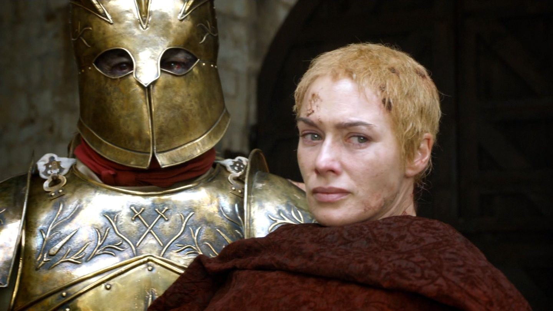 """O Montanha com sua protegida Cersei Lannister em """"Game of Thrones"""" (Foto: Reprodução)"""