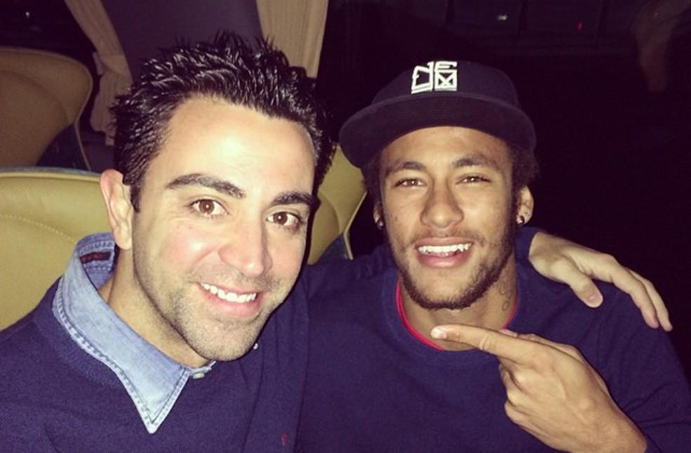 Xavi e Neymar jogaram juntos por duas temporadas no Barcelona — Foto: Reprodução
