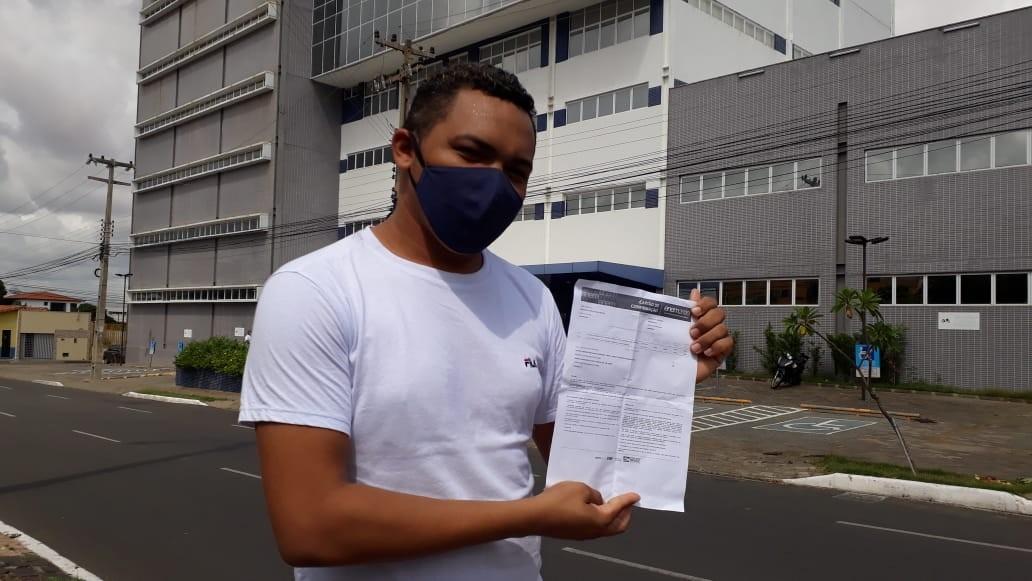 Candidato chega ao local de prova do Enem mais de 2 horas antes da abertura dos portões em Teresina