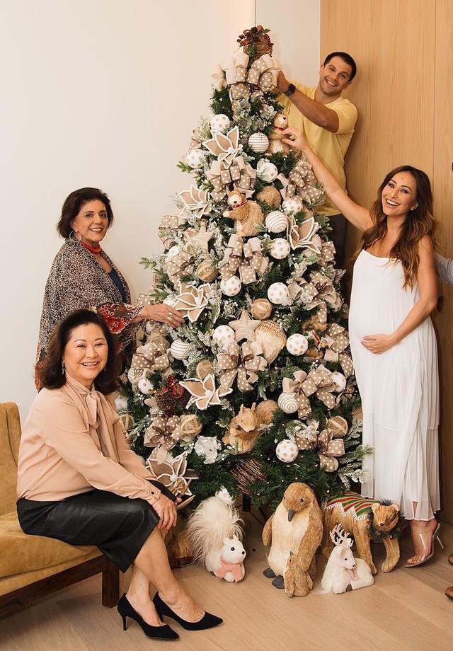 Sabrina Sato e a família (Foto: reprodução/Instagram)
