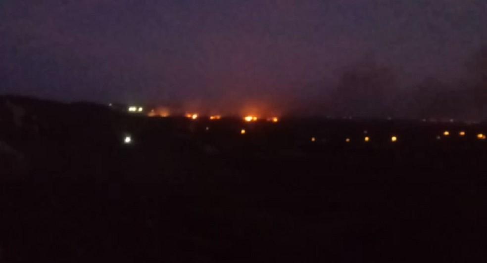 Incêndio em Aracati, no Litoral Leste do Ceará. — Foto: Reprodução/TV Verdes Mares