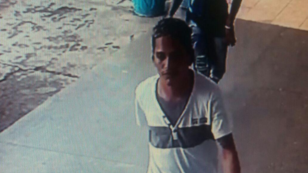 Homem armado entra em escola pública do Amapá e rouba R$ 100 mil; veja vídeo
