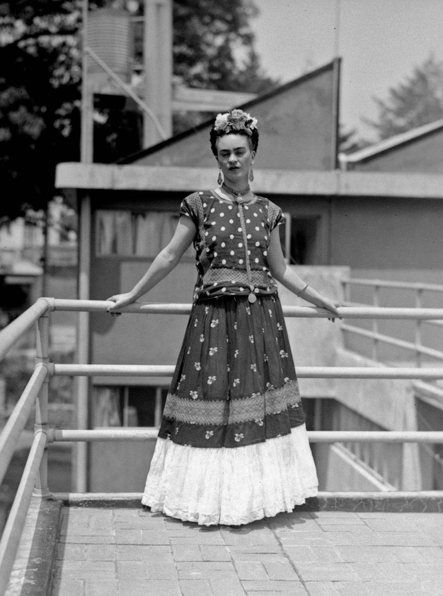 Popularidade de Frida Kahlo dispara, mas família luta para gerir legado