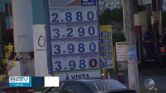 Motoristas comemoram preço de até R$ 3,96 na gasolina em Salvador