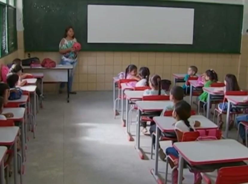 Prefeitura de Caruaru realiza renovação de matrícula da rede municipal de ensino