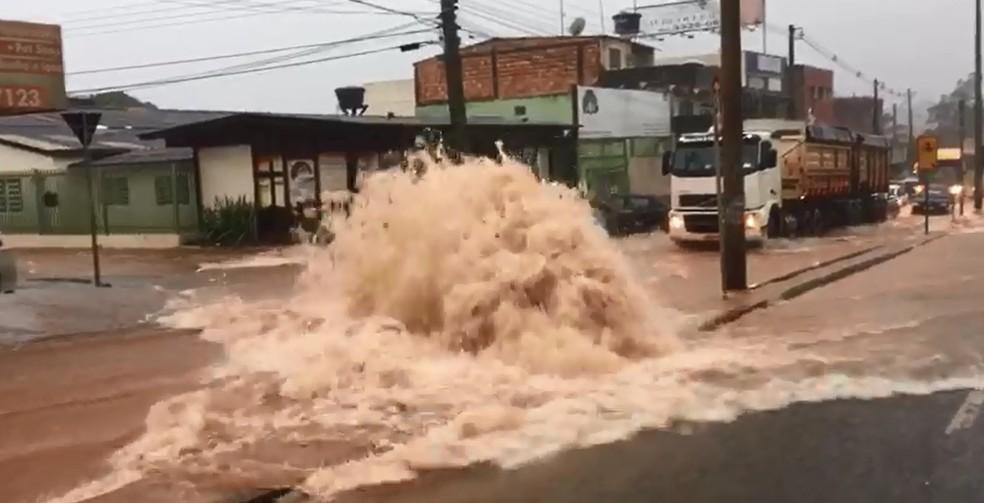 Chuva forte em São Sebastião, no Distrito Federal (Foto: Arquivo pessoal )