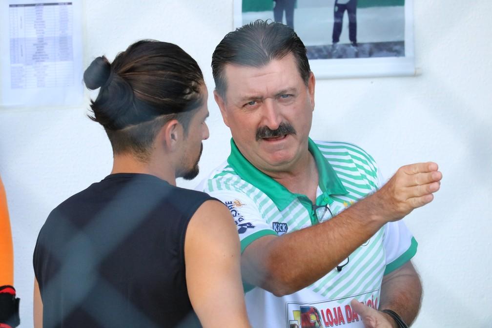 Leandro Campos, técnico do Altos, avalia empate em estreia do Piauiense — Foto: Arthur Ribeiro/GloboEsporte.com