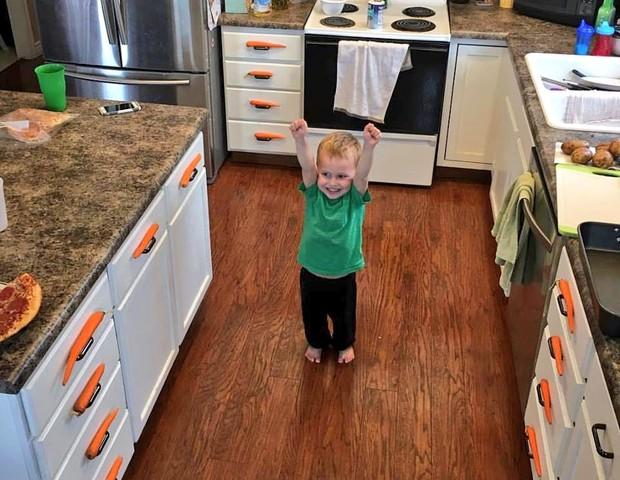 A felicidade de quem conseguiu organizar todas as cenouras! (Foto: Reprodução Twitter)