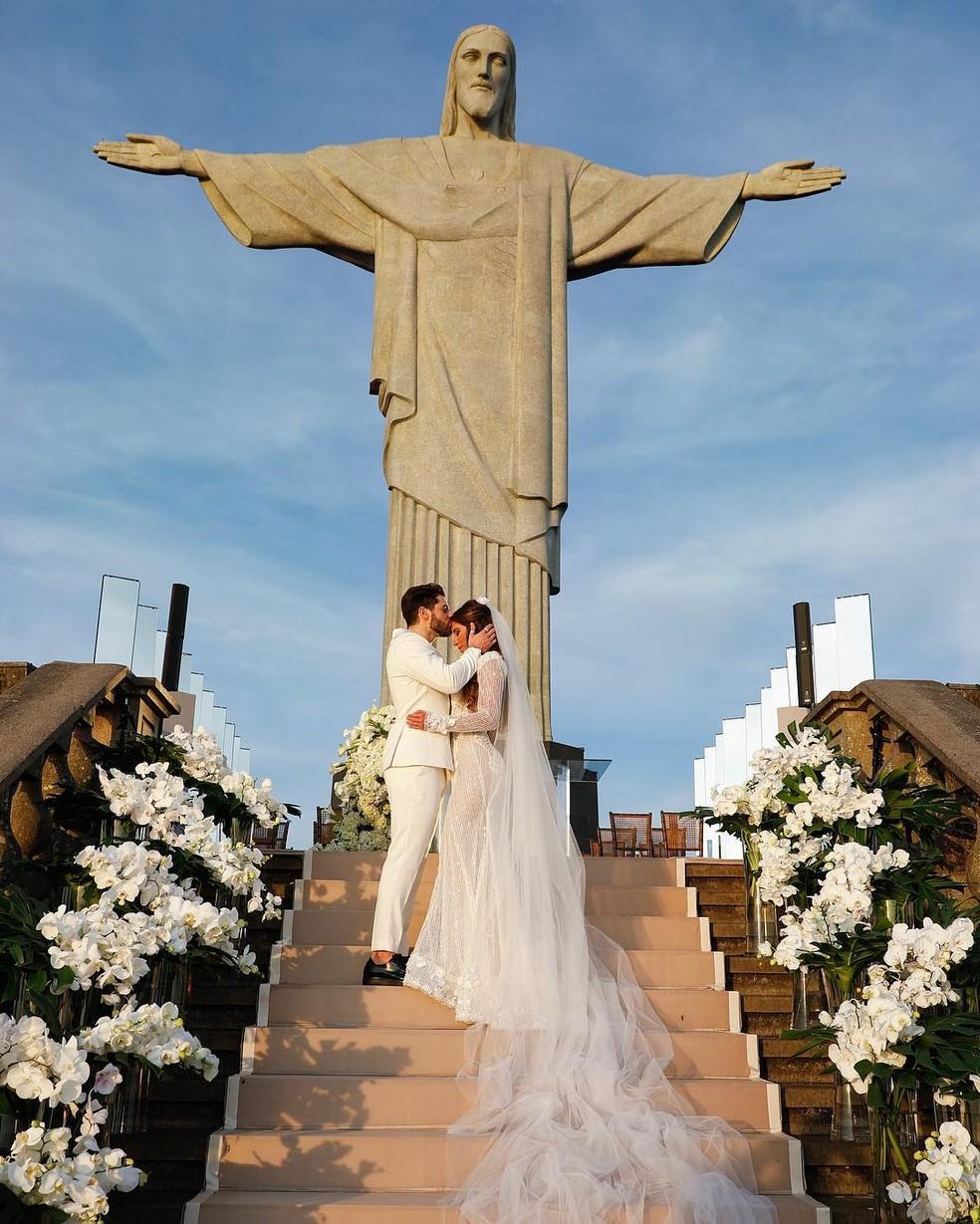 O casamento aos pés do Cristo Redentor fez o maior sucesso — Foto: Reprodução/Instagram