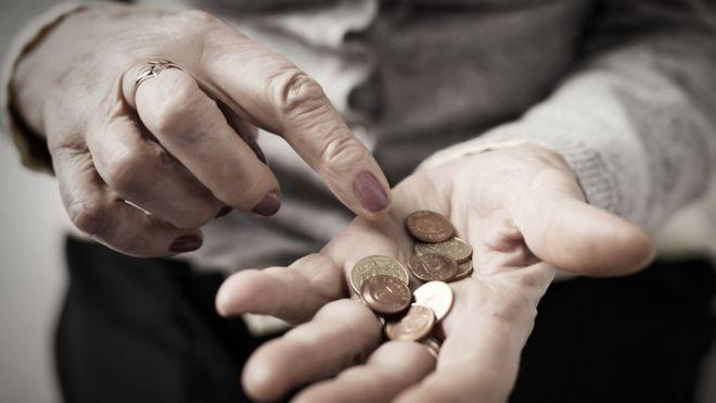 Nos EUA, o número de pessoas em falência após os 65 anos está atingindo níveis sem precedentes, diz especialista (Foto: Getty Images)