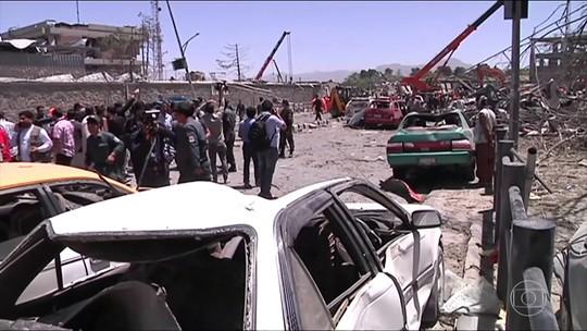 Ataque em área diplomática de Cabul, no Afeganistão, mata 80 pessoas