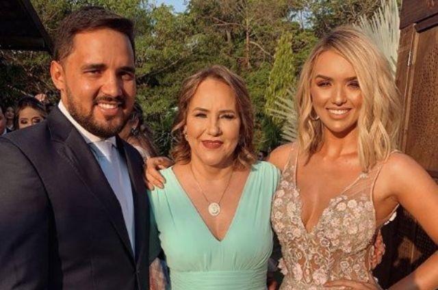 Rafa Kalimann com a mãe, Genilda Fernandes, e o irmão, Renato (Foto: Reprodução)