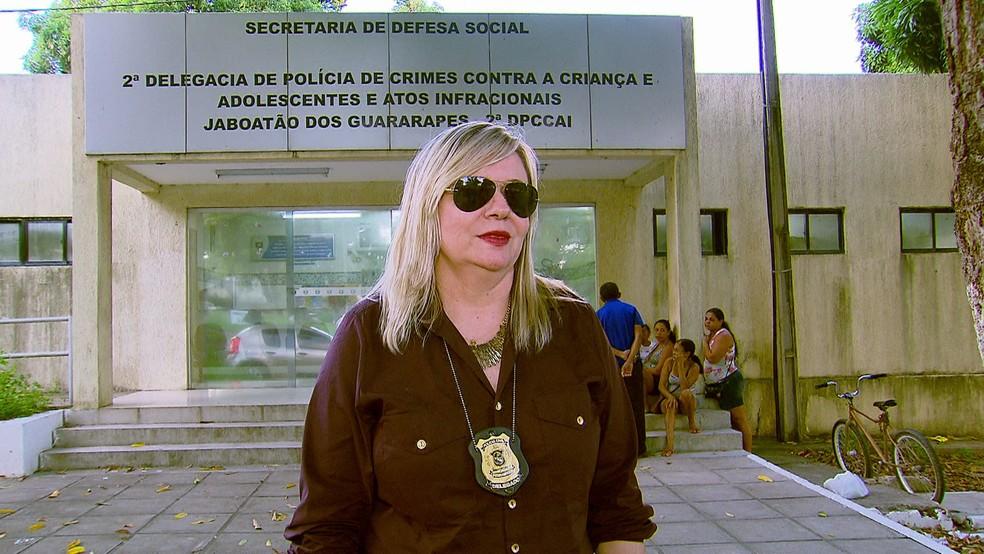 Caso está sendo investigado pela delegada Vilaneida Aguiar, da Delegacia de Crimes contra a Criança e Adolescentes em Jaboatão — Foto: Reprodução/TV Globo
