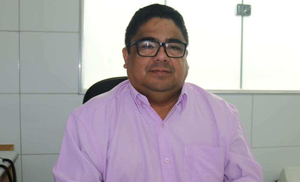Professor Neto Ceará dá dicas de como estudar para o Enem. (Foto: Lorena Linhares/G1)