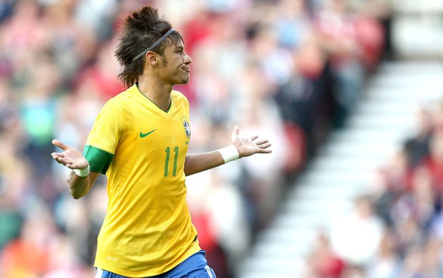 Neymar gol amistoso do Brasil x Grã-Bretanha (Foto: Mowa Press)