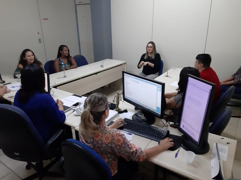 Intérprete de Libras fez parte da audiência em Natal — Foto: Divulgação