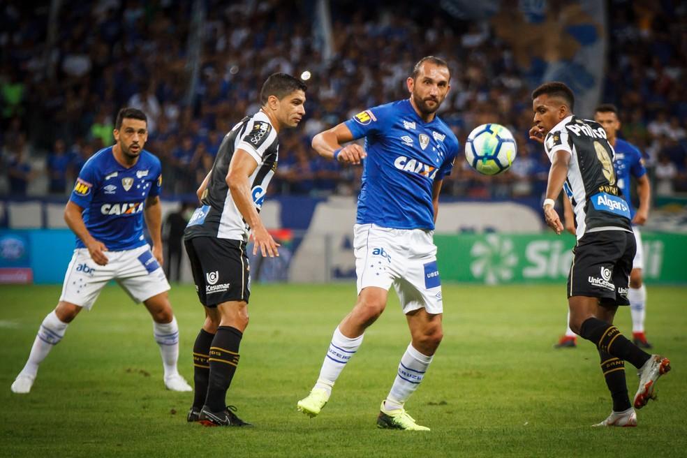 Renato teve atuação ruim, e Rodrygo jogou muito longe do gol no primeiro tempo (Foto: Vinnicius Silva/Cruzeiro)