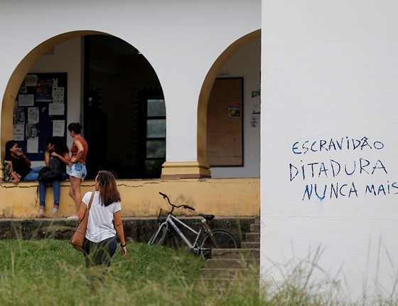 "Prédio do campus da Universidade Federal Rural do Rio de Janeiro, que sediou o curso ""O golpe de 2016 e o futuro da democracia"" (Foto: DOMINGOS PEIXOTO/AGÊNCIA O GLOBO)"