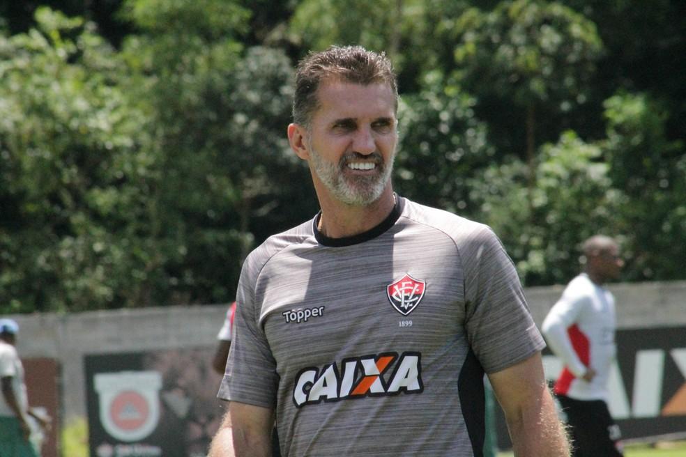 Hoje no Vitória, Mancini passou pela Chapecoense (Foto: Maurícia da Matta/Divulgação/EC Vitória)