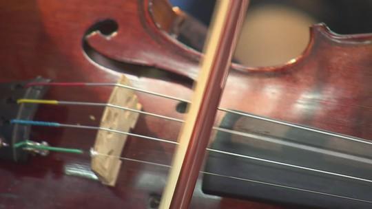 A educação por meio da música