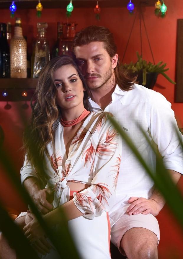 Camila Queiroz e Klebber Toledo (Foto: Divulgação, Reprodução/ Instagram)